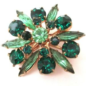 Vtg Green Rhinestone Pin St Patricks Day Chatons